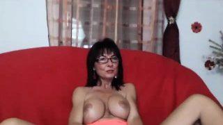 Amateur dunkelhaarige ehefrau giving head privater porno