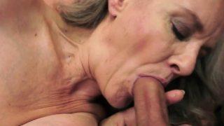 erfahrene Dame abgefickt nachdem lecken Schwanz