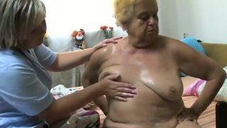 OldNanny senior Omi Dame lesbische