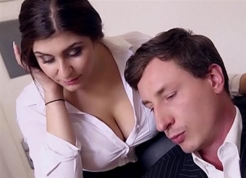 BUMS BUERO Boss gebumst versautes Deutscher Sekretärin und cums auf ihr dicker Brüste