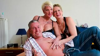 XXX OMAS Deutscher Omas will be genießt hug
