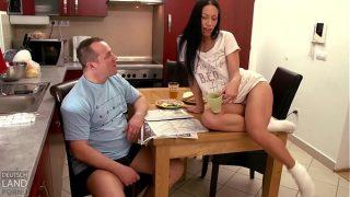 Sie zeigt wie schön sie Pissen kann am liebsten wenn du zu schaust Mann Mia Diamond