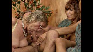 Deutsche Swinger Orgie einen schwarzer Freundin jüngere und reife Frau