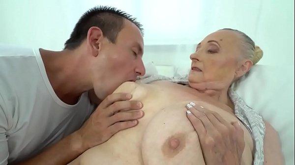 Wilde Sex Orgie mit drei Omas