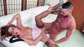 SCAMBISTI MATURI Hausfrau Italian Amateure Frau in wilder Pornofilm session