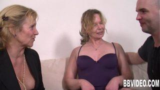 schlampiger Deutsch Hausfrauen teilt Lunte