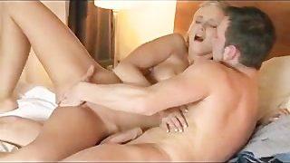 DaneJones Multi-orgasmic Schönheit
