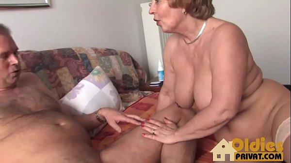 Dicke titten mit oma Oma