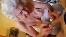 OmaGeiL Kurvige Mütter und geile Omas in Videos