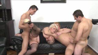 Gruppensex mit 2 reifen Frauen