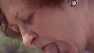 84-jährige Stiefmutter von Stiefsohn gefickt