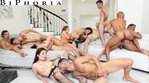 Ehemann Tastes seine erst penis in Bisexual Orgie BiPhoria'