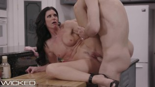 India Summer Fucked By Daughter's Boyfriend After Family Argument