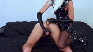 Latex Mutter die ich gern Ficken würd Herrin prostate milking mit ein Sexspielzeug masturbiert dem Sperma in seine Gesäß'