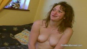 reudige council estate Schlampe willing zu do Posex an Webcam