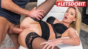 HerLimit Isabelle Deltore Grandiose Australian Schlampe bekommt ihren Löcher gestopft mit fette Lunte LETSDOEIT